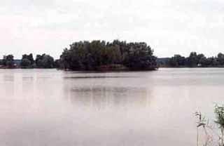 Jeden z pohľadov na miestnu vodnú plochu